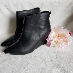 NWT Lane Bryant wedge boots size 8W